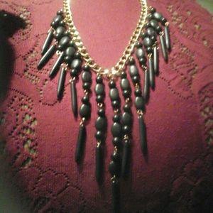 Jewelry - Necklace & Earrings Set